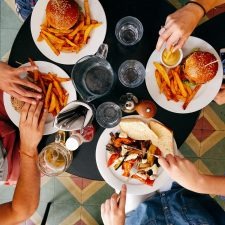 restaurant-2602736_1920